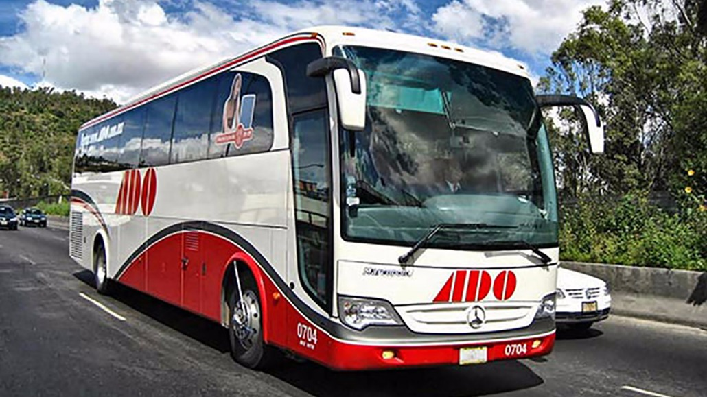 How to get from Cancun airport to Puerto Morelos in bus