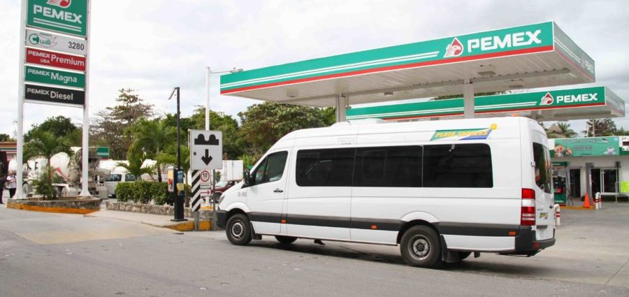 hot to get to puerto morelos for cancun in vans