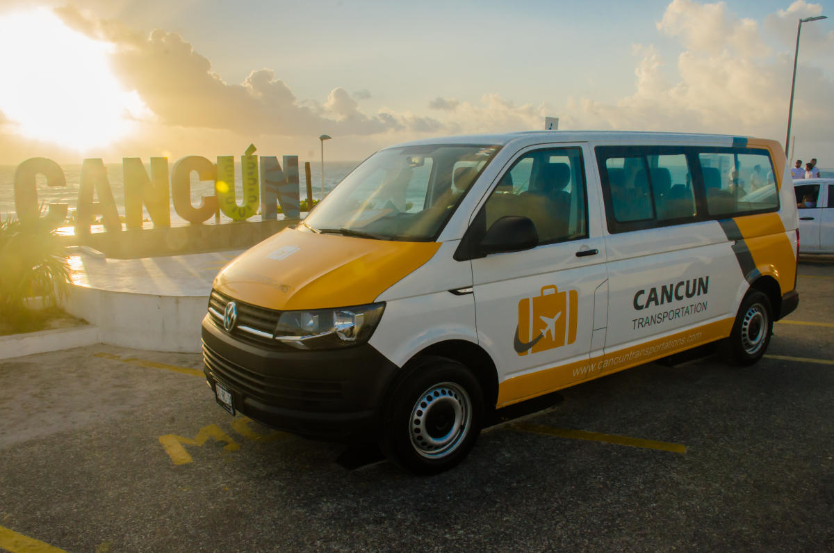 The best way to go from Cancun Airport to the Aloft Cancun Hotel