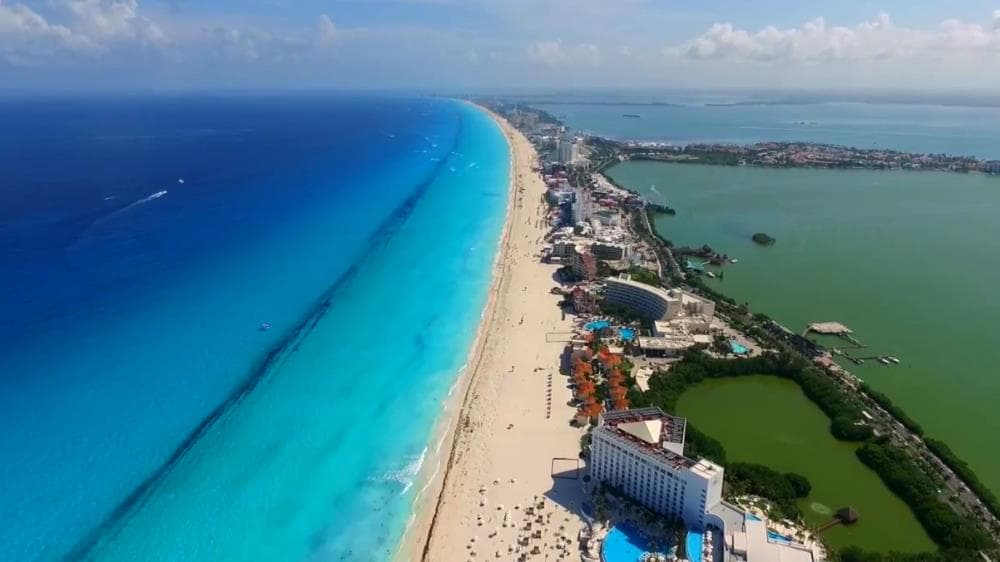 Enjoying the Beaches - What to do in Cancun Hotel Zone