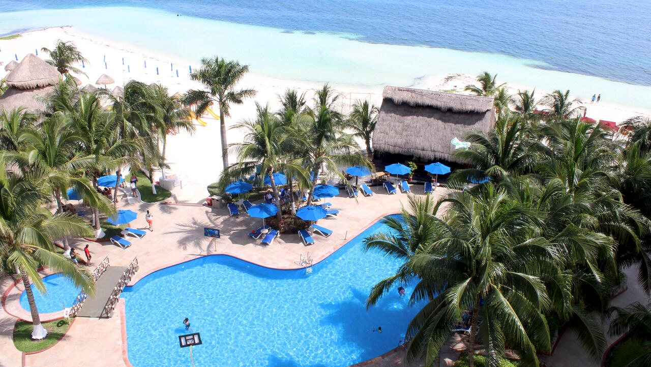 Hotel Casa Maya -Beachfront hotels in Cancún