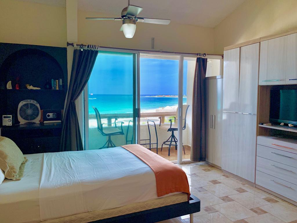 Oceanview Condo by Andiani Travel