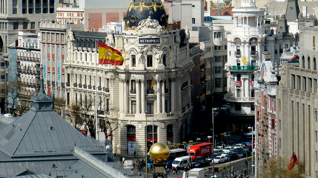 Alcala Street - what to see in madrid in one day
