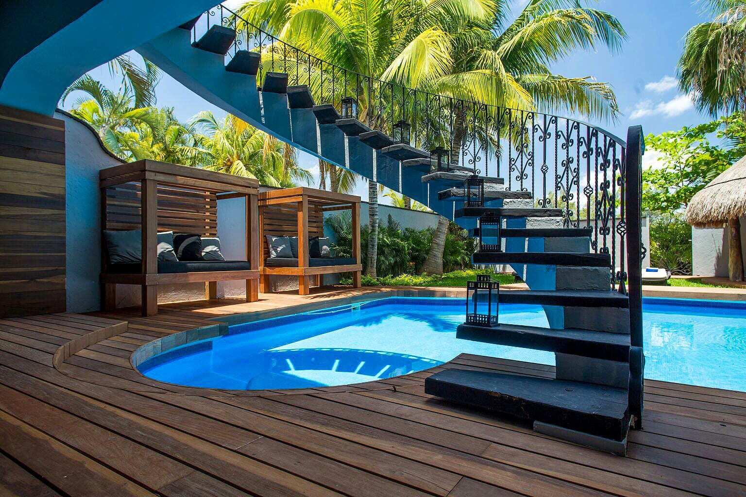 Amazing 5 BR Villa on the beach