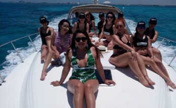 Rent a yacht - What to do in Isla Mujeres in one day