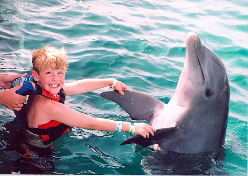 Swim with Dolphins - cancun kids