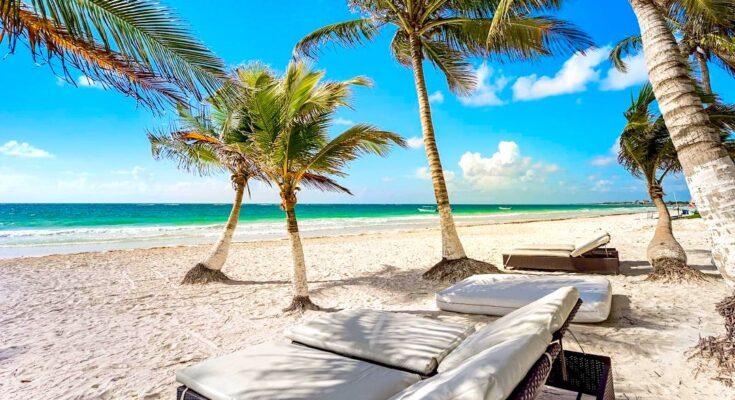 Visiting Paradise Beach - what to do in tulum mexico