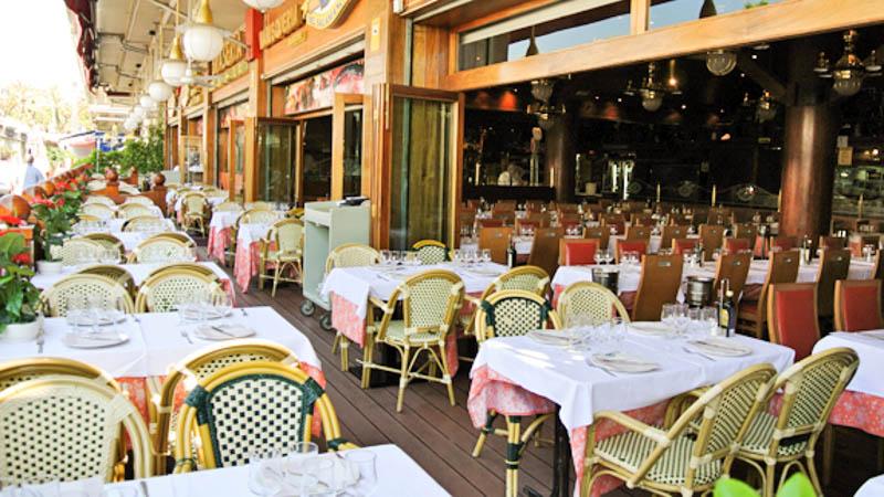 La-Barca-del-Salamanca-best restaurants in barcelona with a view