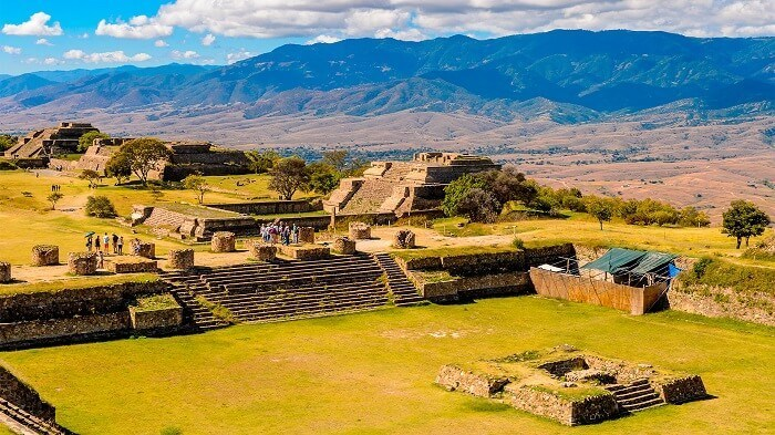 Monte Alban - mexican famous places