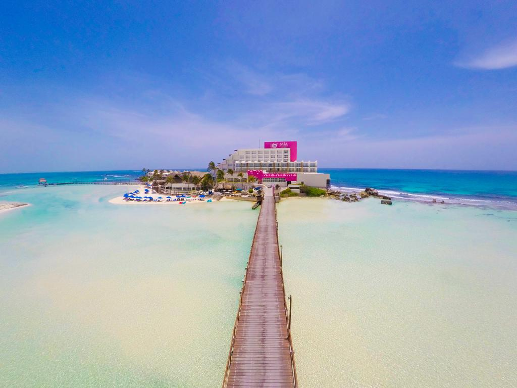 isla mujeres - popular tourist attractions in mexico