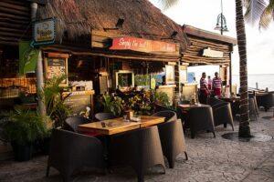 Plaza la Isla - Breakfast in Cancun